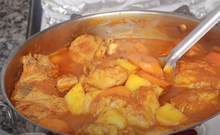 pollo guisado guatemalteco