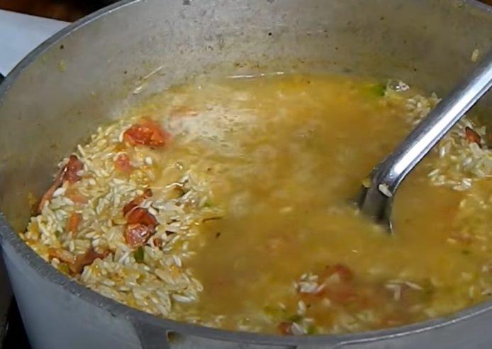 arroz griego puertorriqueño